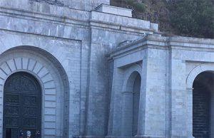 Patriotas se encierran en el Valle de los Caídos