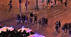 Inmigrantes toman las calles de Francia causando dos muertos