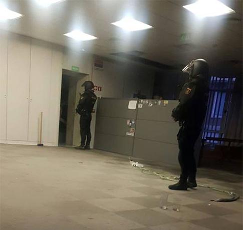 La policía en el desalojo de Hogar Social Madrid