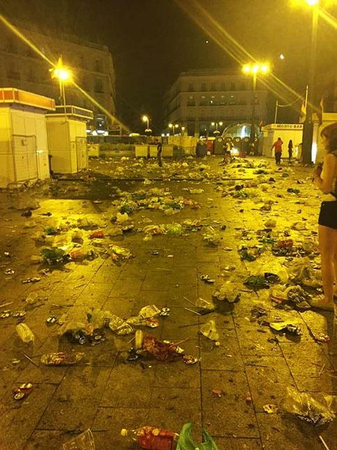 Suciedad en las calles de Madrid con motivo del Orgullo Gay