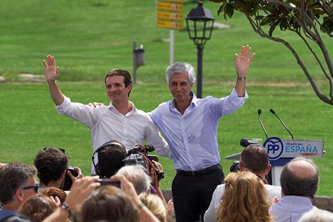 Pablo Casado junto Adolfo Suarez Illana en un acto del Partido Popular
