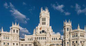 La Plaza Cibeles y el edificio del Ayuntamiento de Madrid