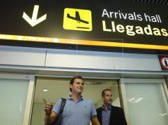 Albert Rivera de Ciudadanos en el aeropuerto