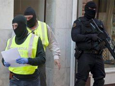 Musulmanes detenidos en Valencia- La Guardia Civil deteniendo musulmanes