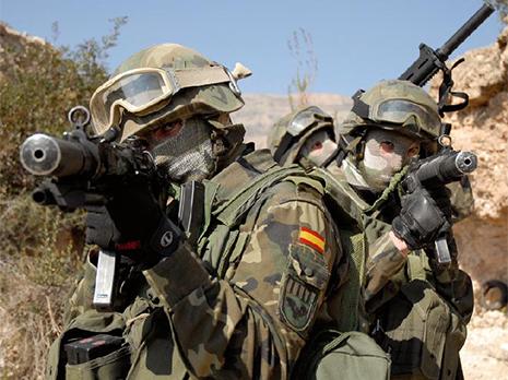 Soldados del Ejército Española de maniobras