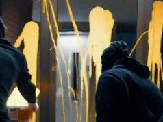 Jóvenes de la CUP atacan la casa de Llarena