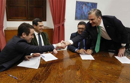 Acuerdo de VOX y PP en Andalucía