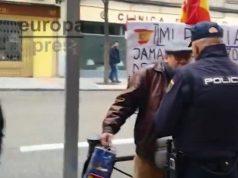 Detenido un hombre por gritar viva España en la sede del PSOE
