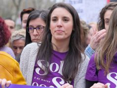 Irena Montero en la marcha feminista del 8M