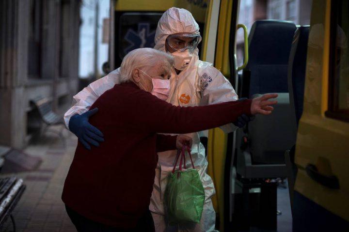 Ancianos contagiados por coronavirus