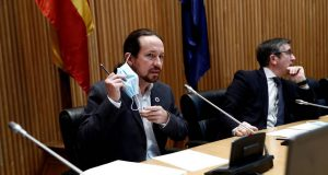 Pablo Iglesias con mascarilla
