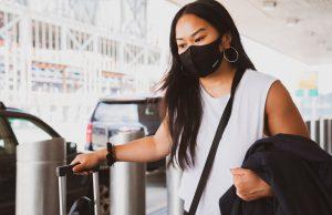 mujer mascarilla pandemia